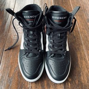 Givenchy Two-Toned/HIGH-TOP SNEAKERS🔥